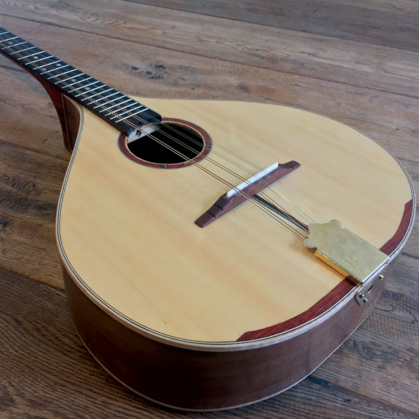 custom-made-in-ireland-walnut-irish-bouzouki-3